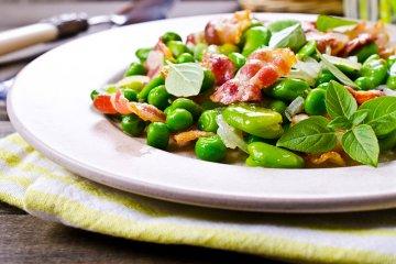 Gebratener Speck mit Gemüse