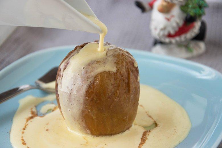 Bratapfel mit Vanillesoße