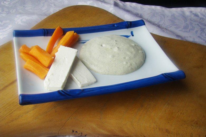 Joghurt-Dip mit Kräutern