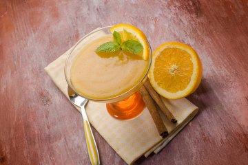 Orangencreme im Glas