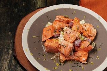 Lachs mit Weißweinsauce aus dem Dampfgarer