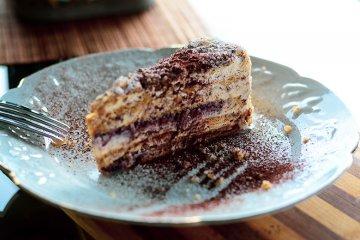 Malakofftorte mit Puddingcreme und Löffelbiskuit