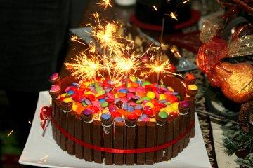 Geburtstagskuchen mit Smarties