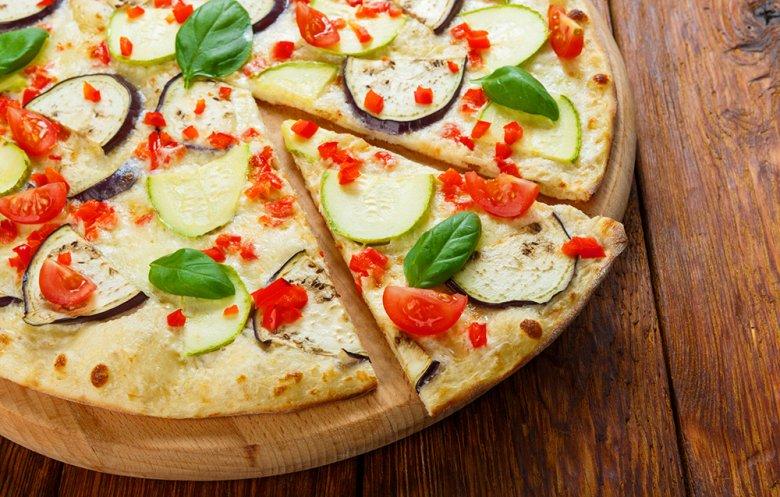 Veggiepizza mit Zucchini