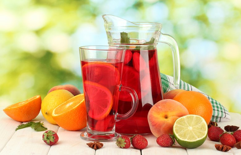 Erdbeer-Pfirsich-Bowle