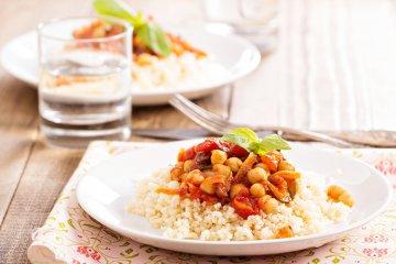Mediterraner Couscous mit Gemüse