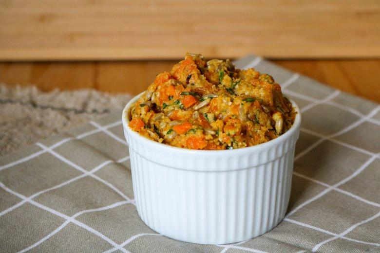 Karotten-Sonnenblumenkerne-Pesto
