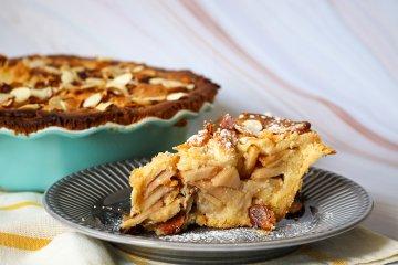 Apfelkuchen mit Bienenstich-Decke