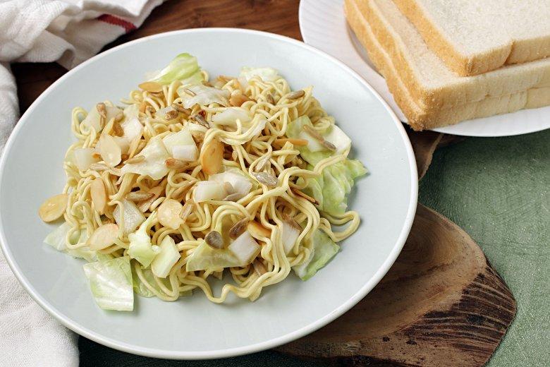 Asia Nudel-Salat