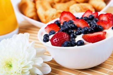 Vanillejoghurt mit frischen Beeren