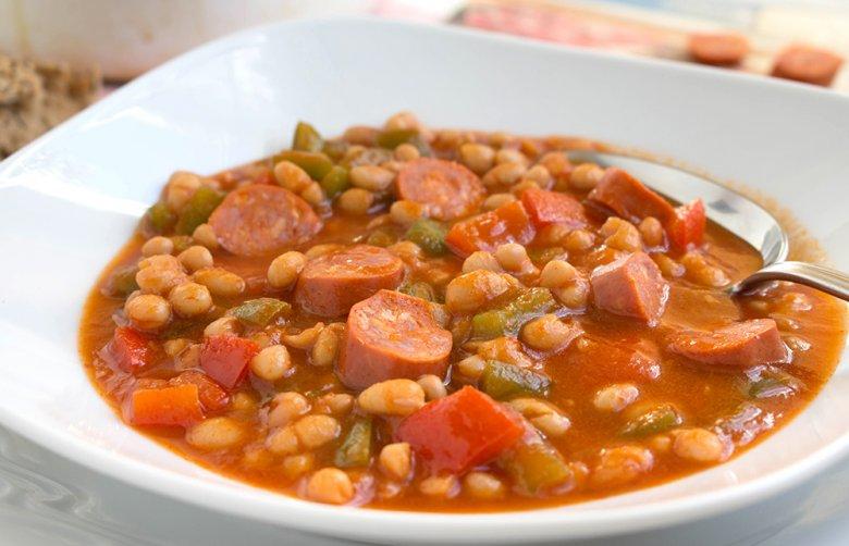 Bohnensuppe mit Debrecziner
