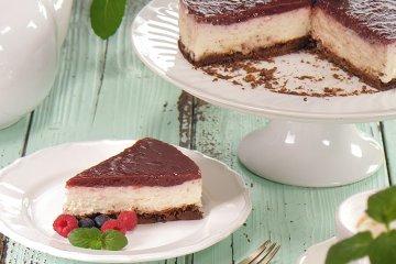 Beeren-Schmand-Torte mit Knusperboden