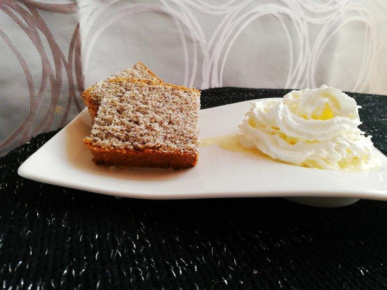 Mohnkuchen mit Eierlikör