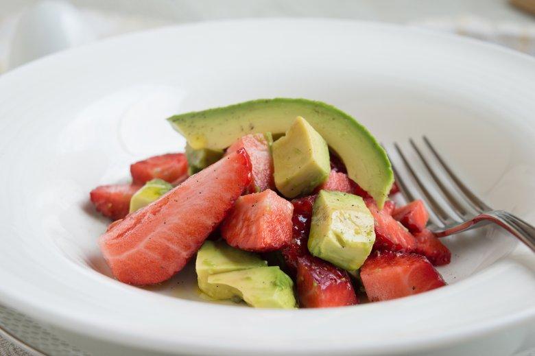 Avocado-Erdbeer Starter
