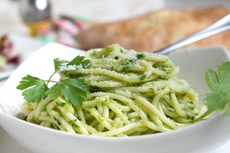 Spaghetti mit Petersilpesto