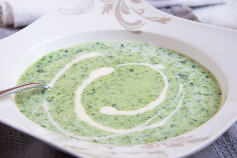 Käsesuppe mit Spinat