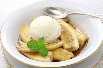 Flambierte Banane mit Vanilleeis