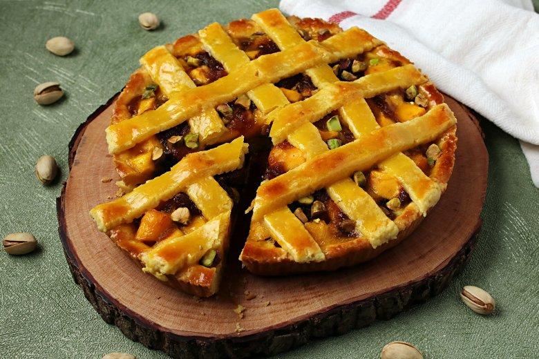 Gedeckter Mango-Kuchen