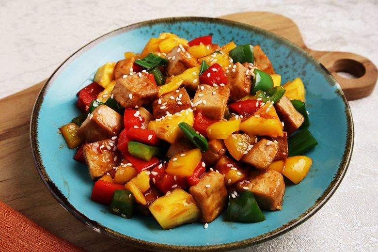 Sesam-Tofu süß-sauer