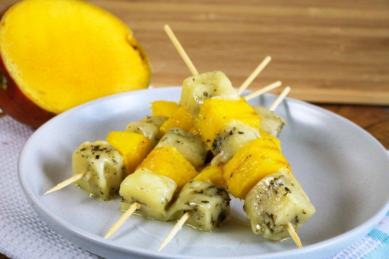Mango-Halloumi-Spieße