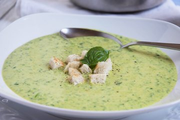 Zucchini-Curry-Suppe