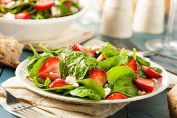 Erdbeer-Spinatsalat