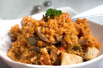 Paprika-Couscous mit Hähnchen