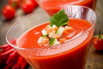 Fruchtige Melonen-Tomaten-Gazpacho