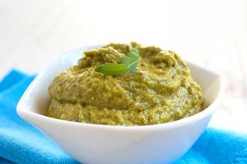 Veganes Rucola-Mandel-Pesto