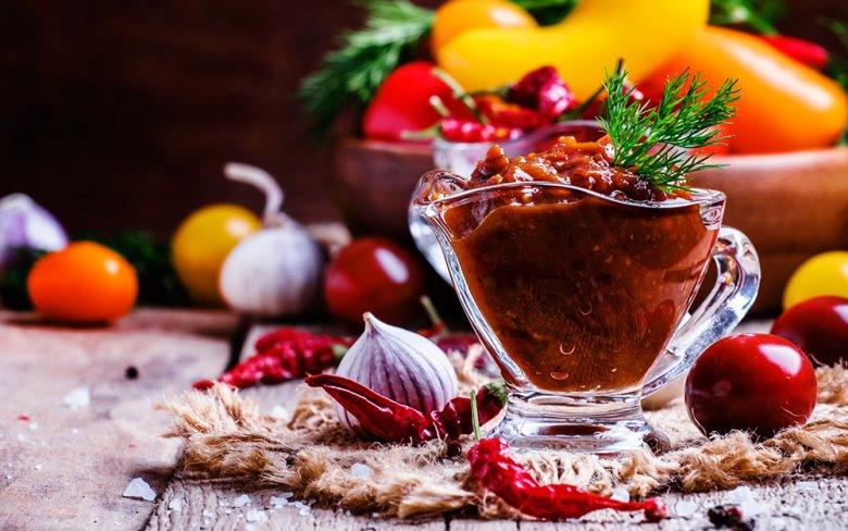 Feurige Tomaten-Kirsch-Salsa