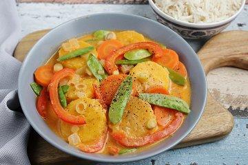 Orientalisches Curry mit Kochbananen