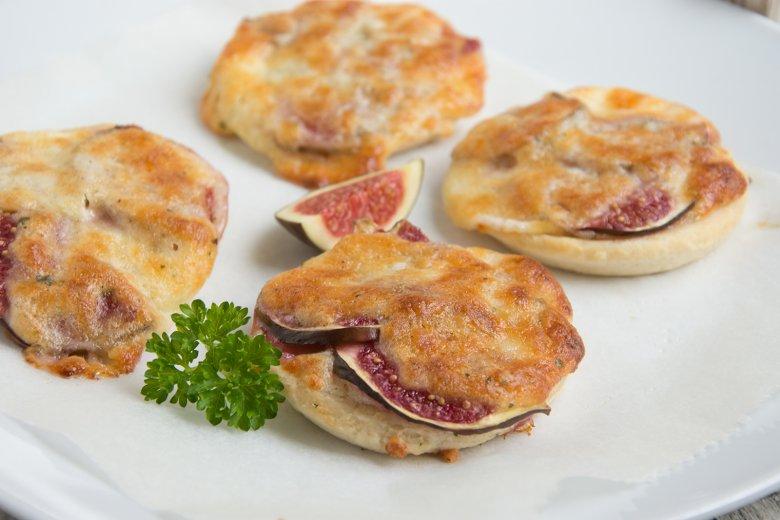 Herzhafte Käse-Tartlettes mit Feigen