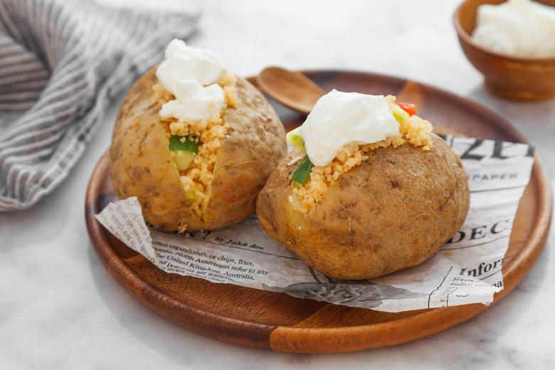 Ofenkartoffel mit Couscous-Füllung