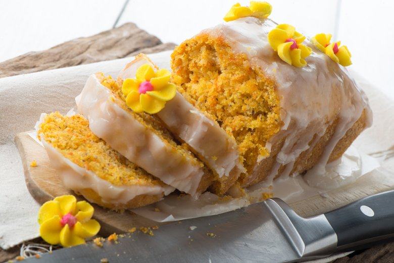Möhrenkuchen mit Kirschglasur