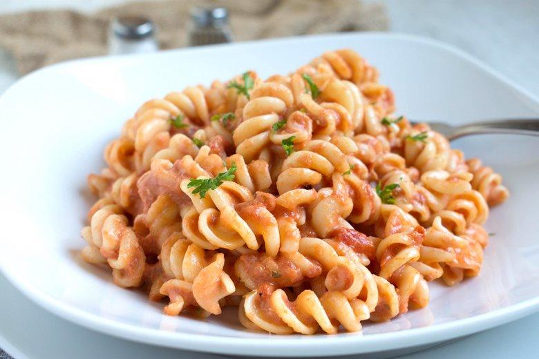 Vegane Tomaten-Sahne-Soße