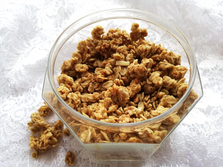Knuspriges Granola