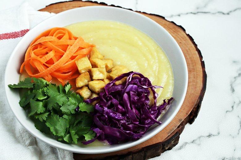 Gemüse-Kokos-Suppe mit Tofu