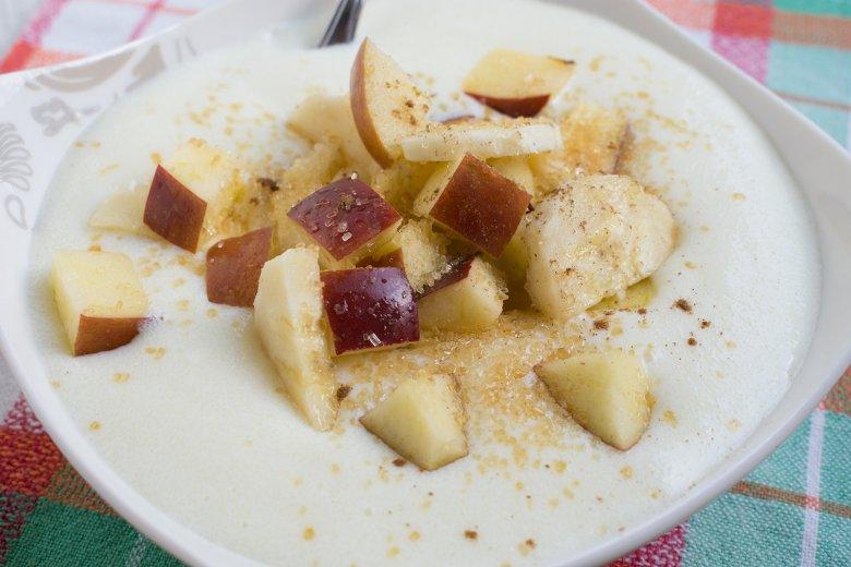 Veganer Obst-Vanille-Grießbrei