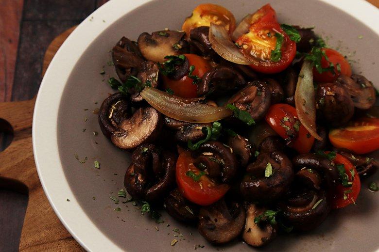 Pilzpfanne mit Tomaten