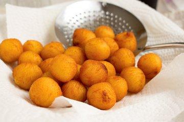 Süßkartoffelbällchen mit Koriander