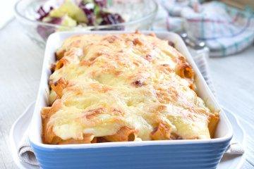 Rigatoni al forno mit dreierlei Käse