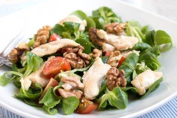 Feldsalat mit Hähnchenbrust