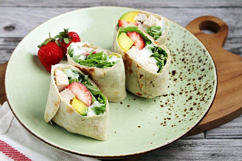 Puten Wrap mit Avocado & Erdbeeren