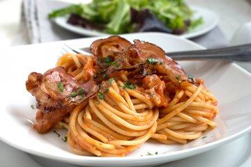 Spaghetti mit cremiger Tomatensauce