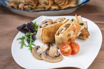 Pfannkuchen mit Pilzsauce