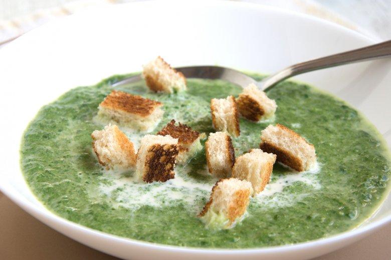 Spinatsuppe mit Grünkern