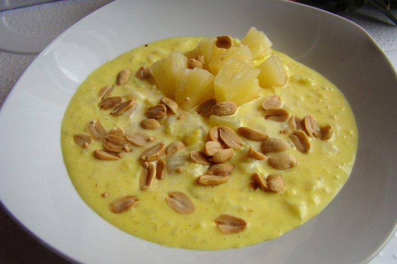 Afrikanischer Milchreis mit Ananas