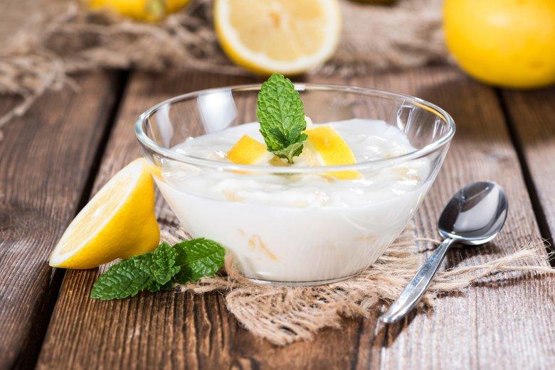 Lockere Zitronenmousse