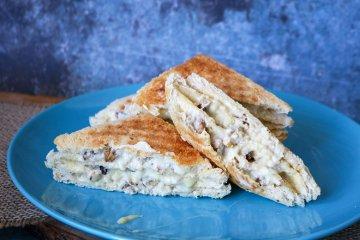 Käsesandwich mit Nuss