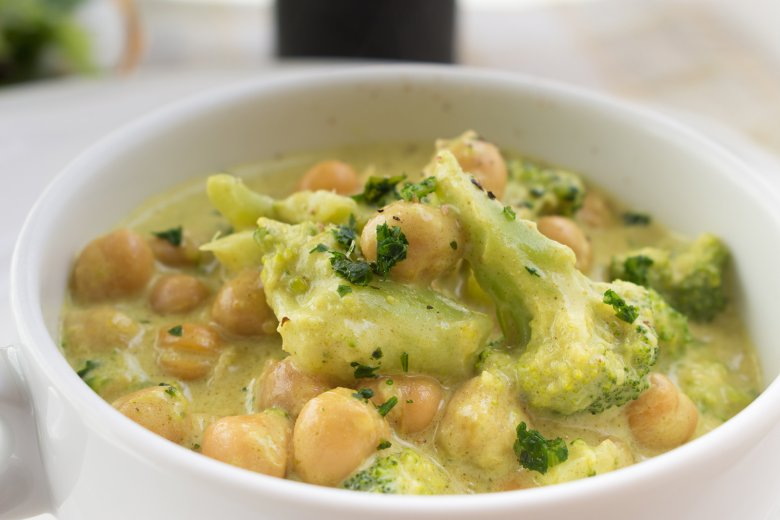 Kichererbsen-Curry mit Sesam